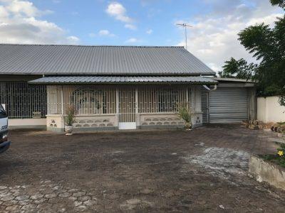 makelaars in Suriname -Oso nanga djari-verhuurd laagbouwwoning van steen te lelydorp