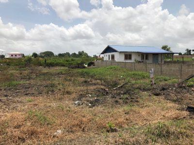 Beedigd makelaars en taxateurs in Suriname -Te koop aangebodenperceel aan de schietbordstraat