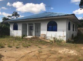 Te huur woning aan de Aardbeiweg aangeboden door makelaars in Suriname