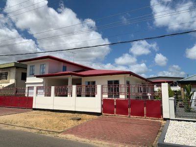 Vastgoed in Suriname, Oso Nanga Djari, Makelaars kantoor