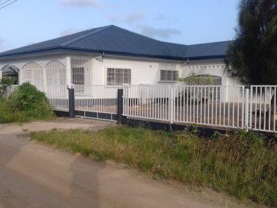 Te koop aangeboden door Beedigd makelaars en taxateurs in Suriname-Djitinderweg